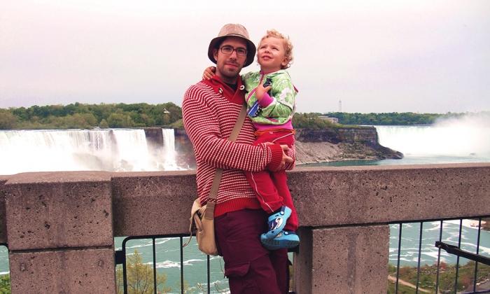 Pappa och stora grabben vid Niagarafallen